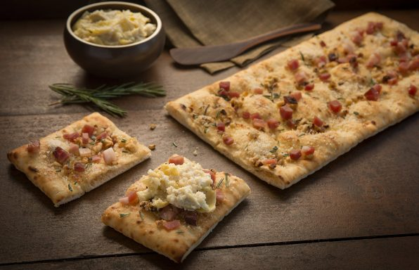 Flatbread_With_Walnuts_and_Speck_039